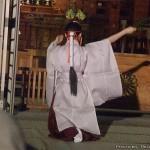 万灯みたま祭・みこ踊り